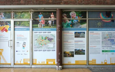 Infofenster am Bahnhof
