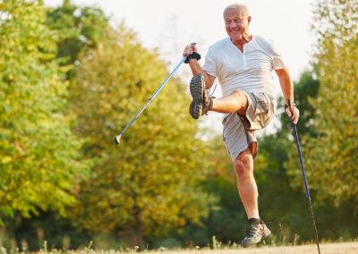 WAT walkt – fit mit zwei Stöcken